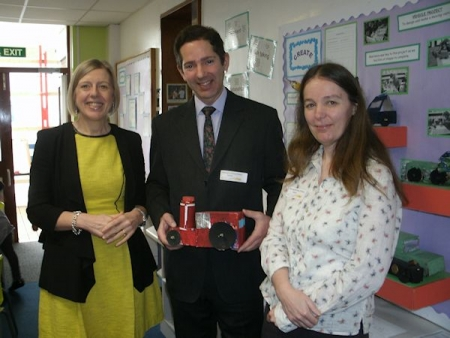Jonathan Djanogly visits Hemingford Grey Primary School