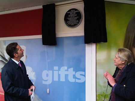 Jonathan unveils a plaque to Julia Griffiths Crofts who moved to St Neots in 1877