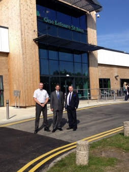 Jonathan visits St Ives Leisure Centre with District Council Leader, Cllr Jason Ablewhite and Manager, Jon Clarke