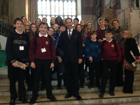 Jonathan Djanogly welcomes a group of year 9 pupils from St Ivo School to the House of Commons